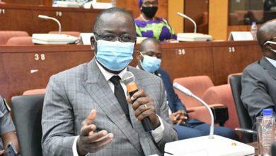 Photo of Le président du Sénat ivoirien encourage la recherche scientifique pour prévenir d'autres crises sanitaires