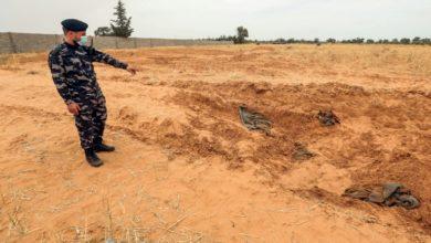 """Photo de Libye: HRW réclame une enquête urgente sur des """"crimes de guerre"""" des pro-Haftar"""