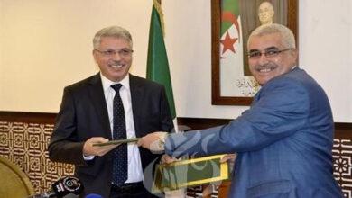 Photo of Algérie -Mohamed Ali Boughazi prend ses fonctions à la tête du ministère du Tourisme, de l'Artisanat et du Travail familial