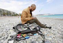 Photo of À Nice, un Marocain donne de la valeur aux galets