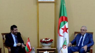 Photo de Le ministre de la Justice reçoit le président de l'Association des avocats omanais